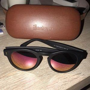 Brand: illesteva Leonard Sunglasses